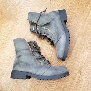 💣2/$20💣 White Mountain Brown Combat Boots